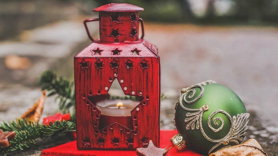 Das Heim in ein Weihnachtsparadies verwandeln