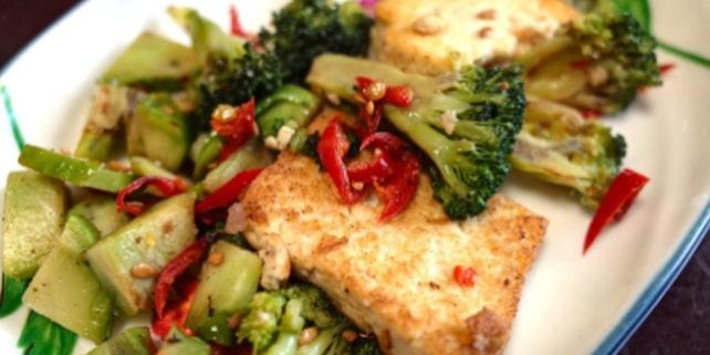 Tofu gehört zum bekanntesten Fleischersatz