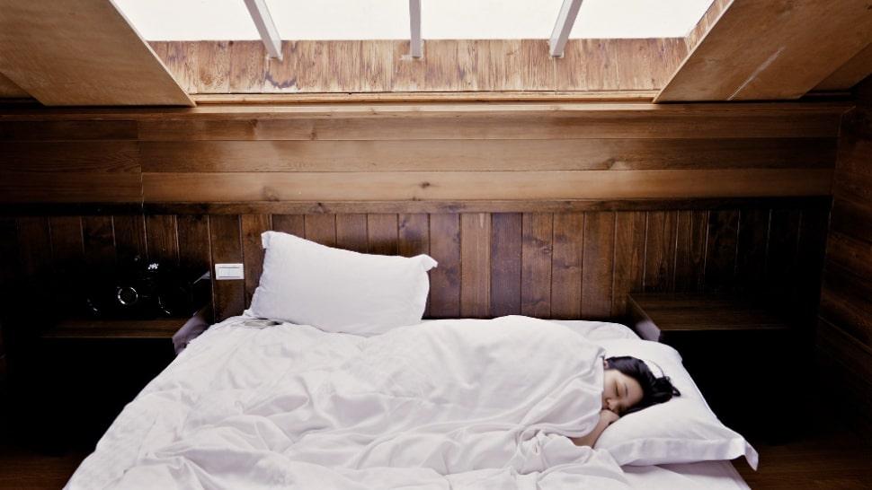 Schlaftipps Frau im Bett